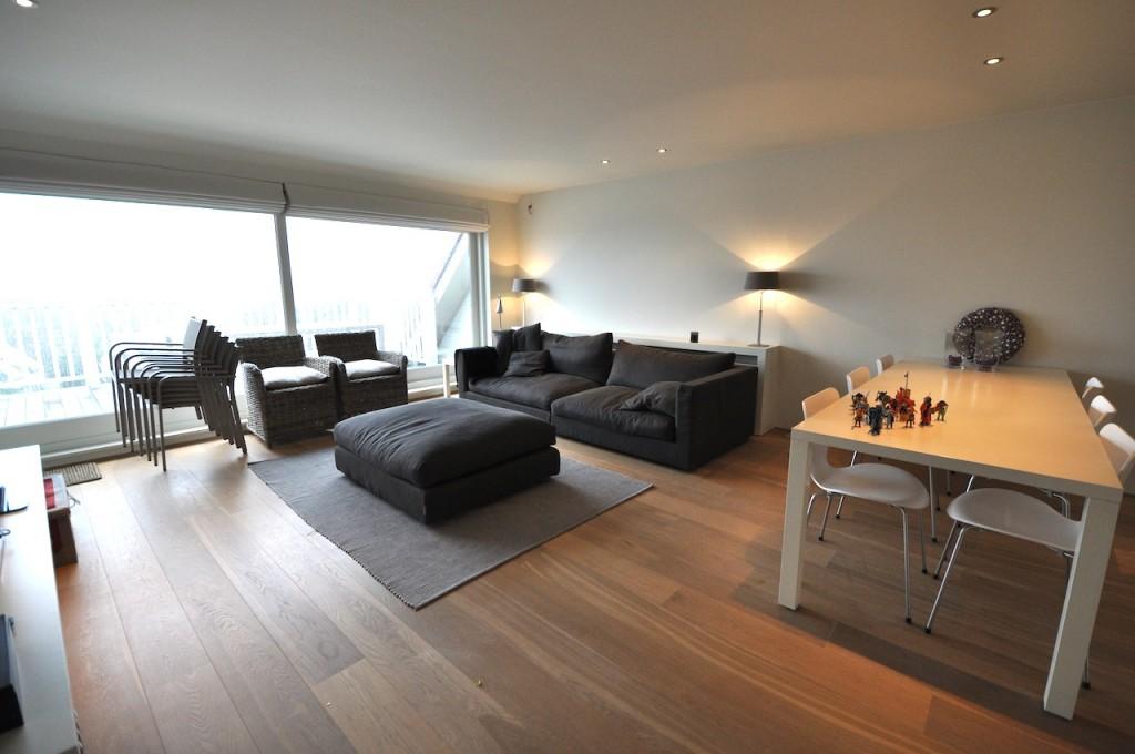 locations appartement t3 f3 knokke zoute duplex met groot terras prestigieus vastgoedkantoor. Black Bedroom Furniture Sets. Home Design Ideas
