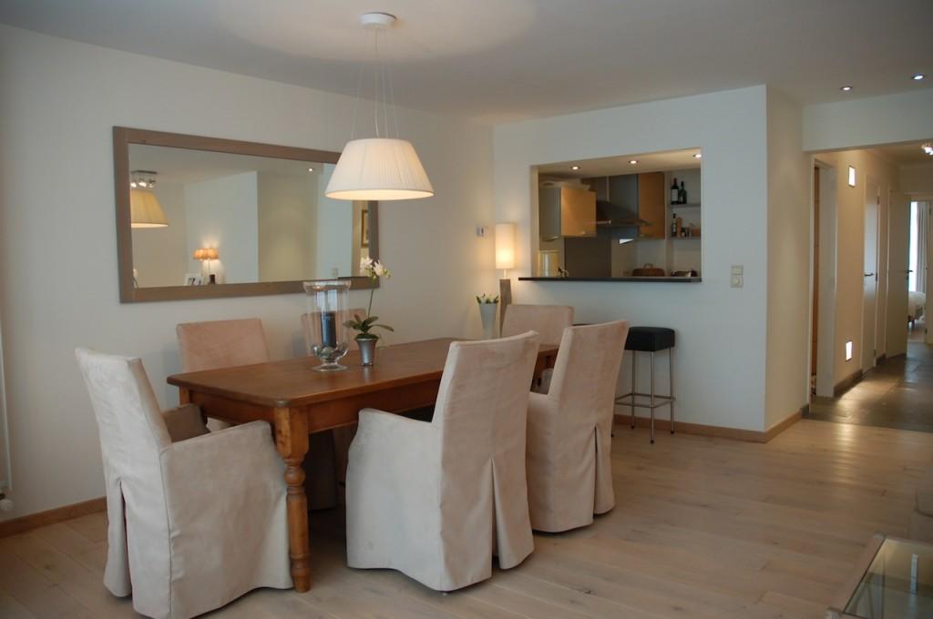 Ventes appartement t2 f2 knokke zoute prachtige inrichting prestigieus vastgoedkantoor gevestigd - Keuken open voor woonkamer ...