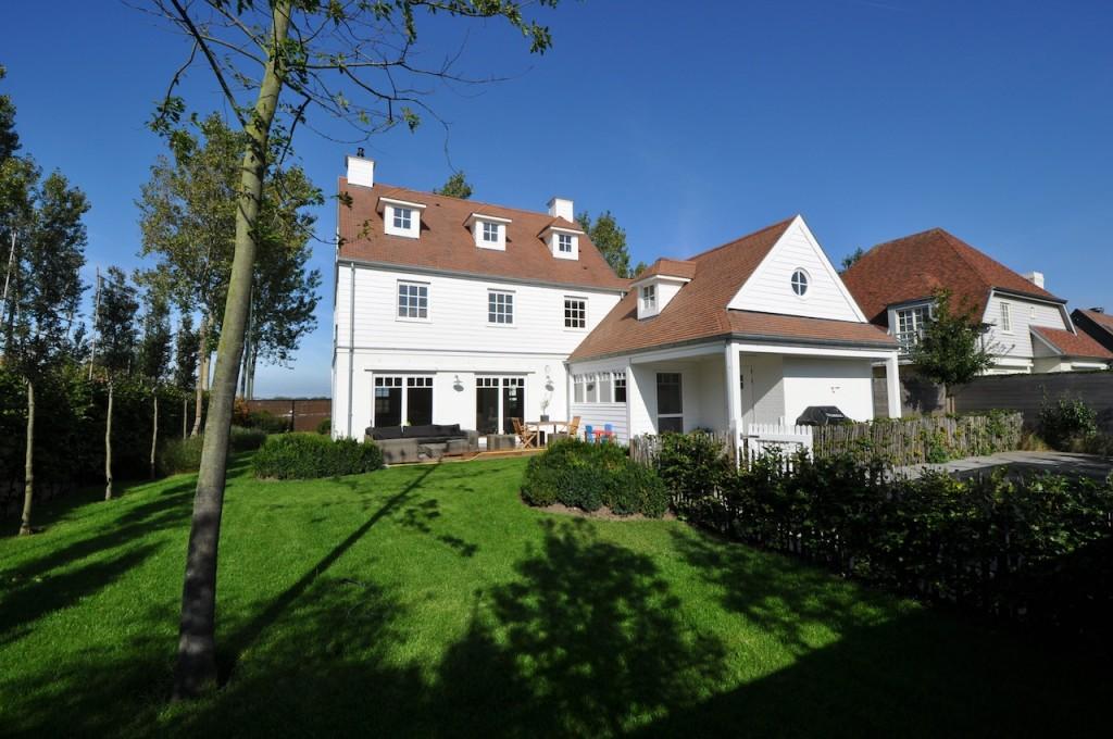 Ventes villa t6 f6 knokke heist mi casa met zwembad for Villa avec terrasse couverte