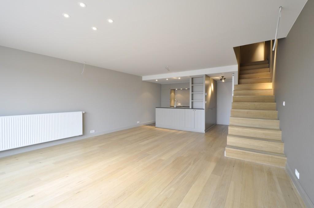 ventes appartement t2 f2 knokke heist duplex in zoute stijl prestigieus vastgoedkantoor. Black Bedroom Furniture Sets. Home Design Ideas