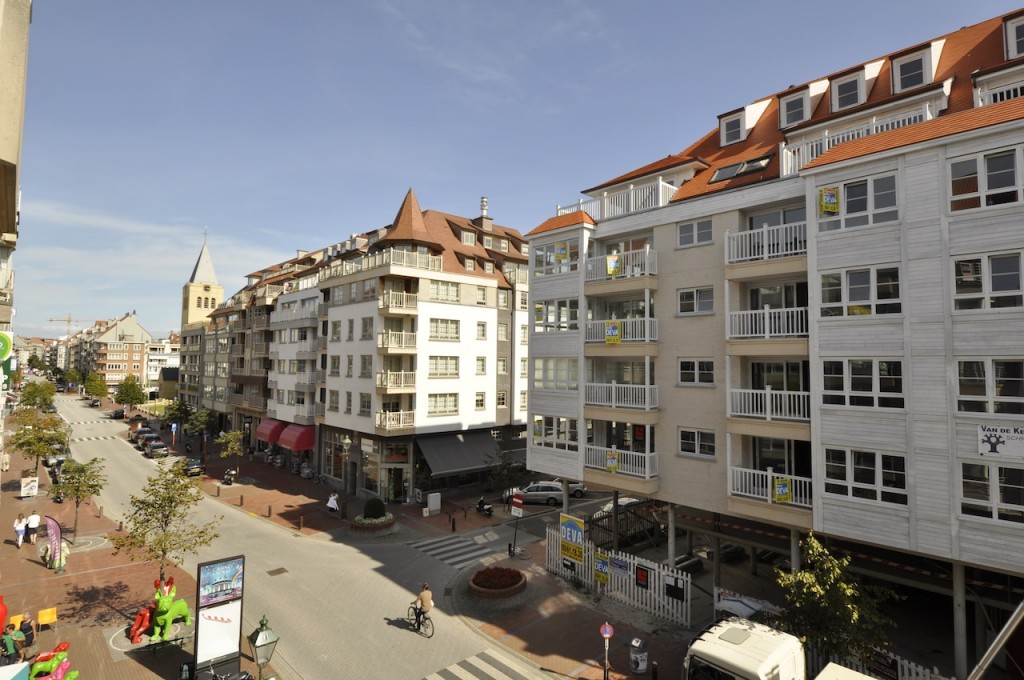 Ventes appartement t2 f2 knokke heist dumortierlaan for Agence immobiliere knokke