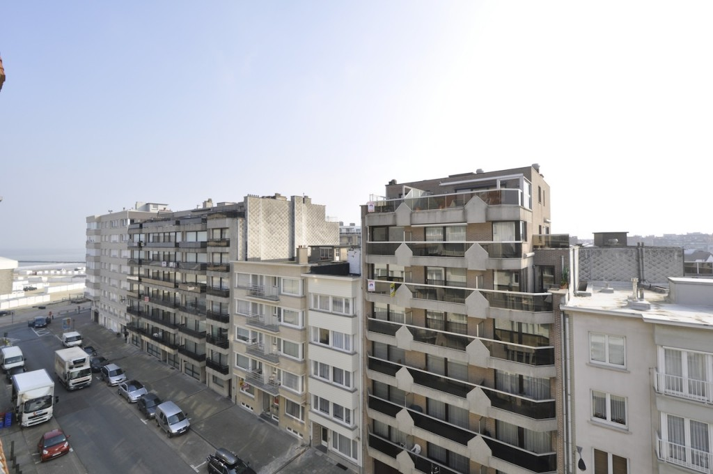 Ventes appartement t2 f2 knokke heist penthouse agence for Agence immobiliere knokke
