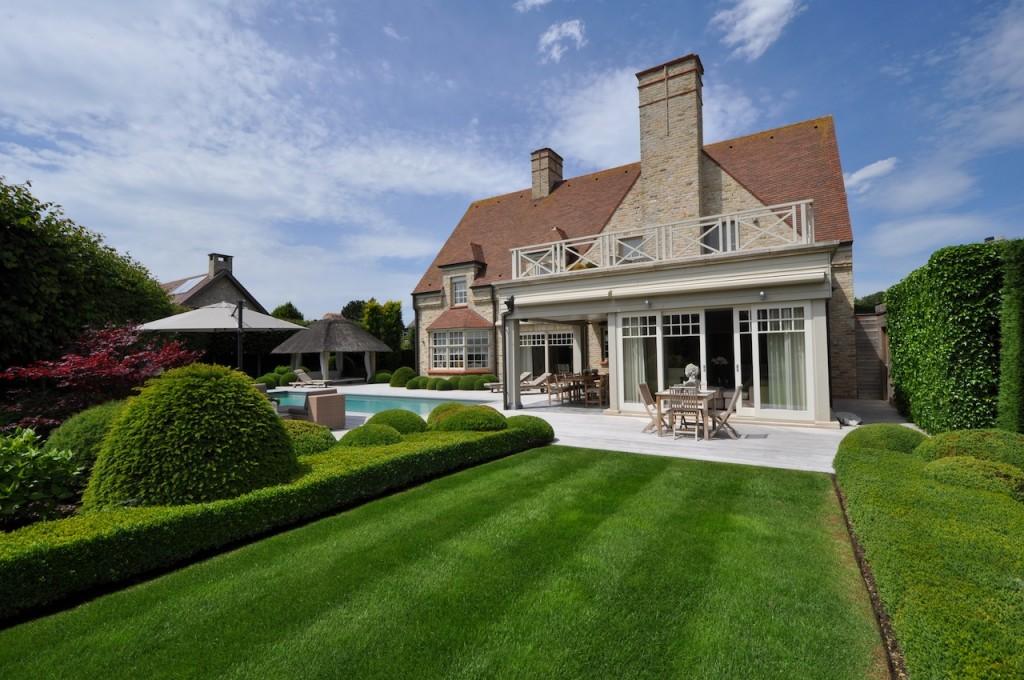 Ventes villa t5 f5 knokke heist exclusieve villa for Huis met tuin te koop antwerpen