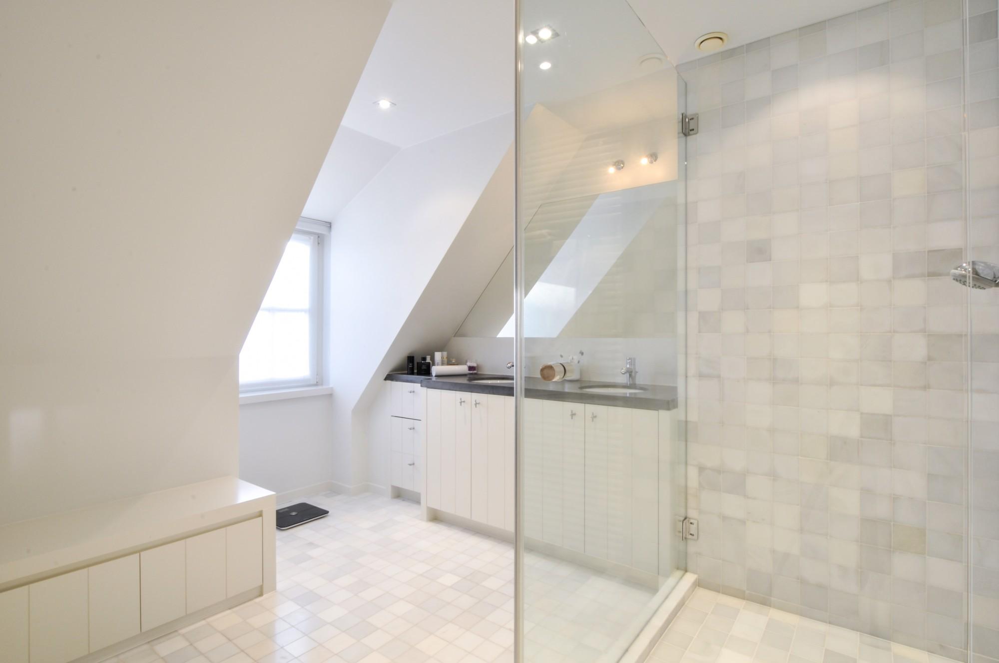 locations appartement t4 f4 knokke heist hoekappartement duplex met mezzanine christophe. Black Bedroom Furniture Sets. Home Design Ideas