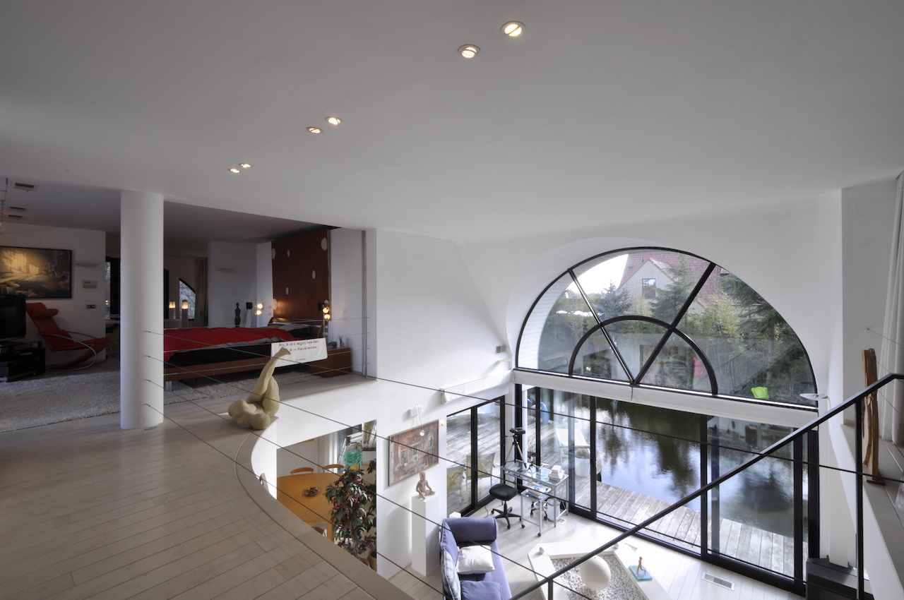 Verkoop villa t3 f3 knokke heist villa in loftstijl for Garage l eglantier lisses