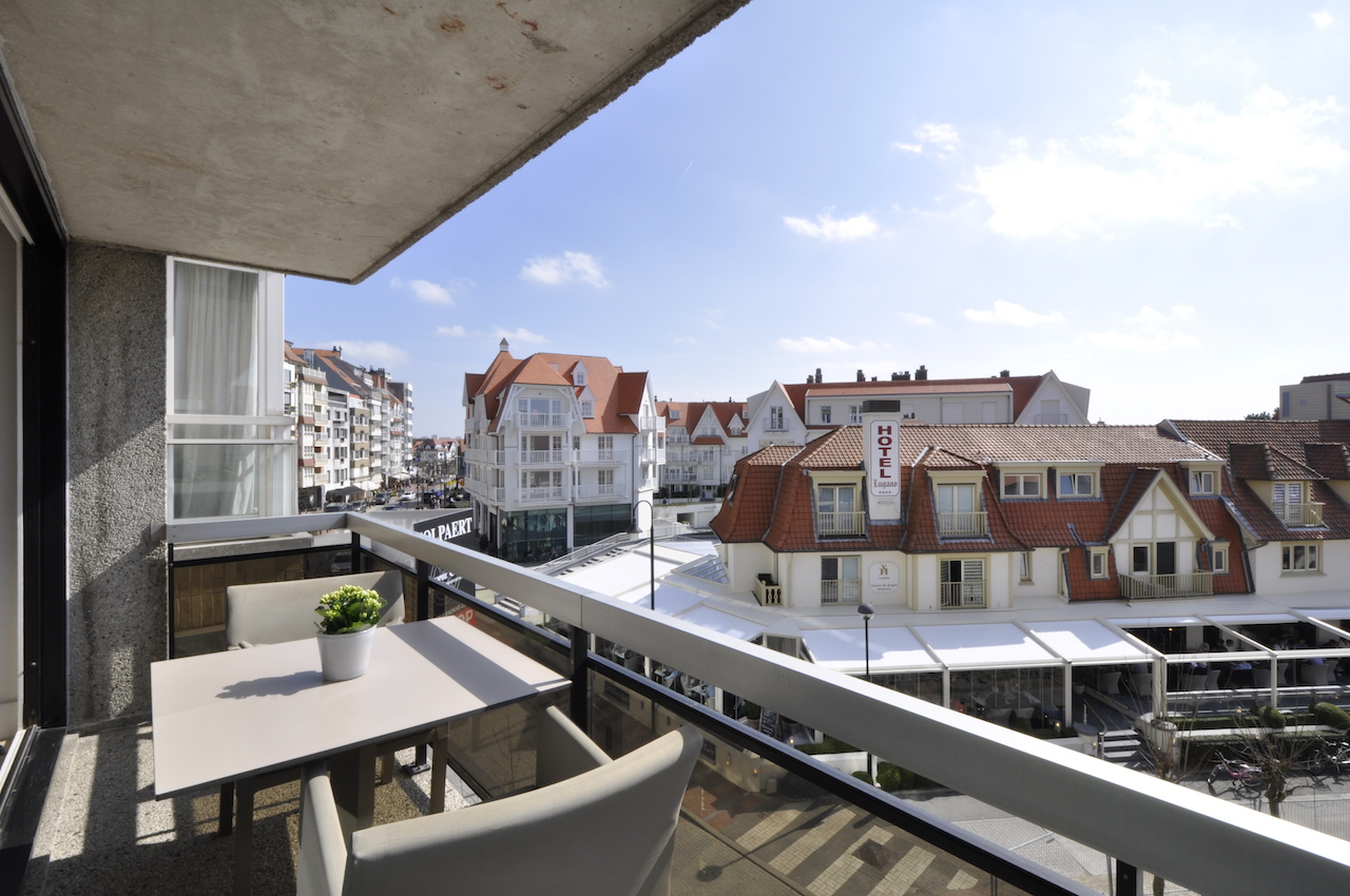 Ventes appartement t2 f2 knokke zoute kustlaan tss for Agence immobiliere knokke