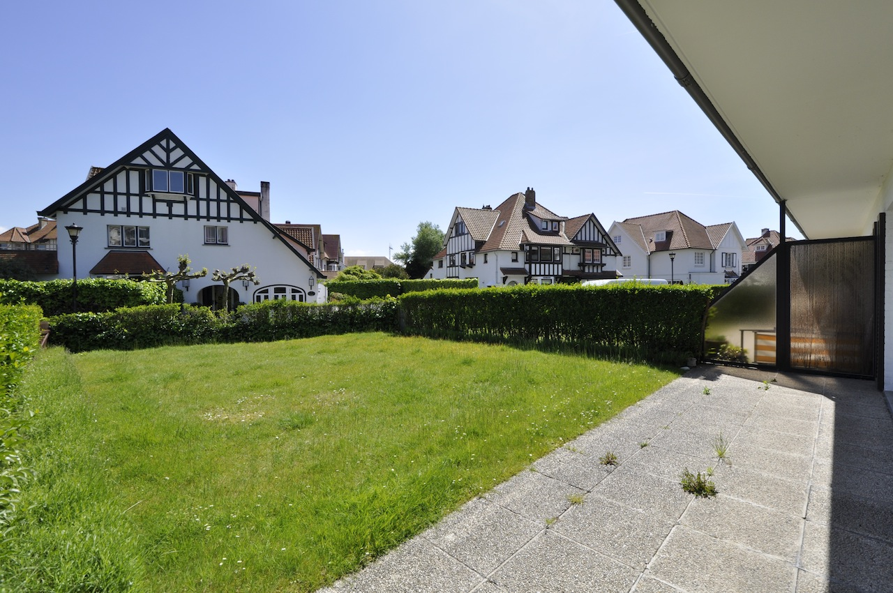 Ventes appartement t2 f2 knokke zoute tuinappartement aan for Le jardin knokke