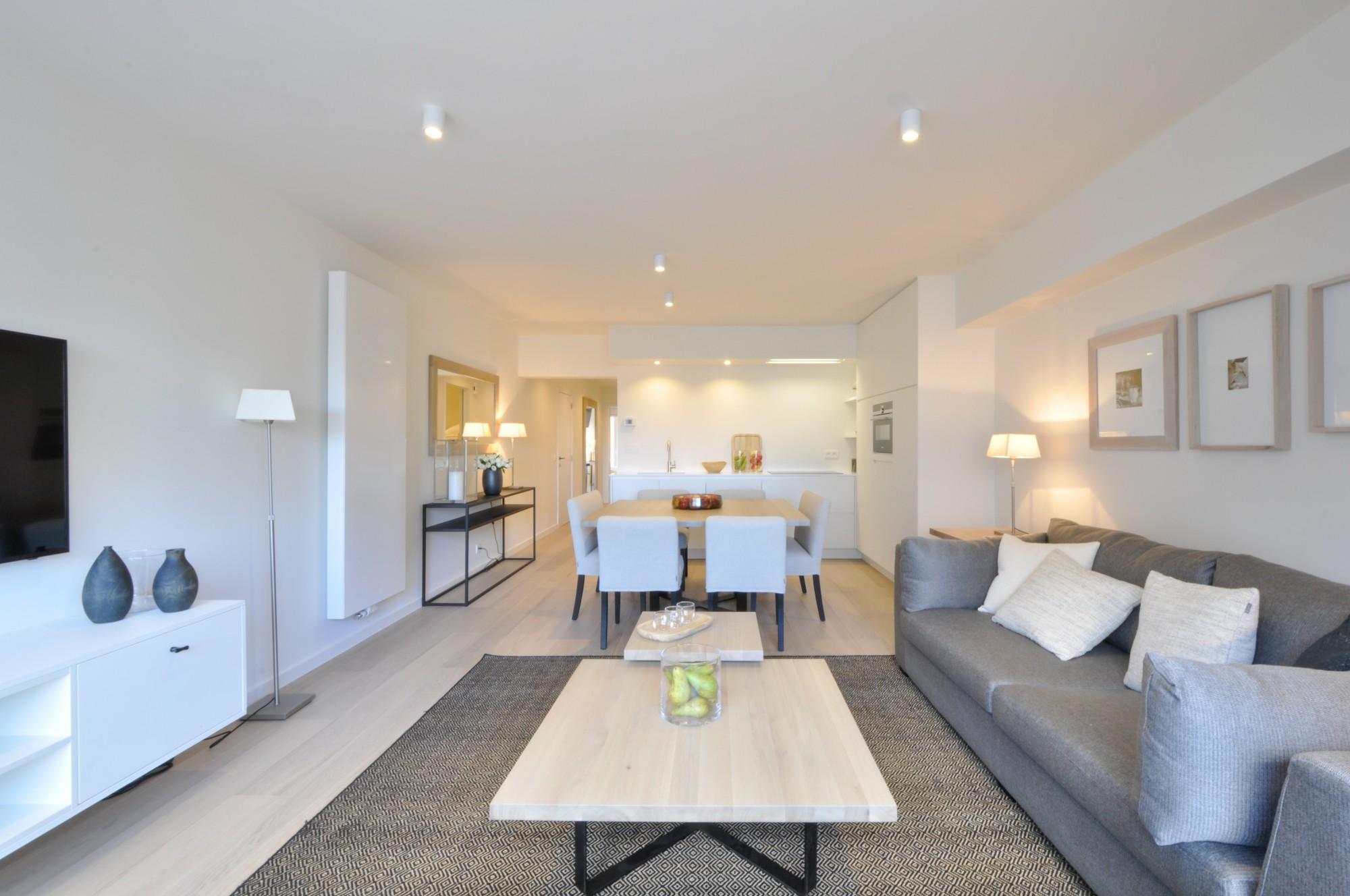Renovatie Badkamer Knokke : Verkoop appartement t f knokke heist prachtige renovatie