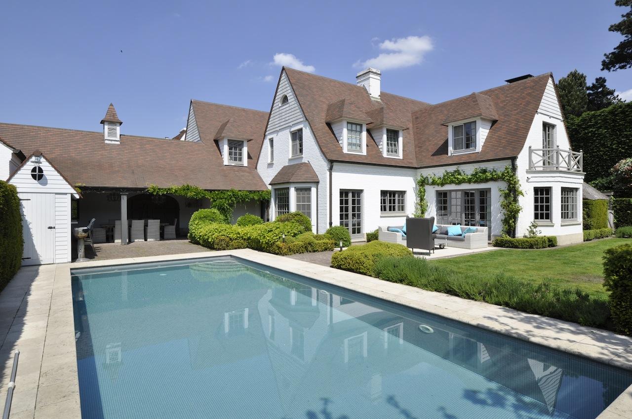 Ventes villa t4 f4 knokke zoute recente villa met zwembad in de paadjes prestigieus - Huis design met zwembad ...