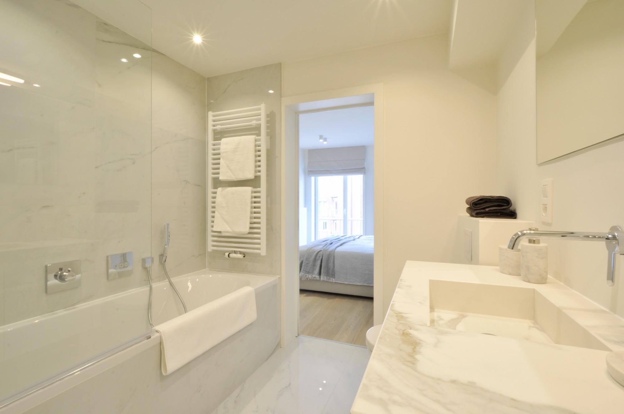 Renovatie Badkamer Knokke : Verkoop appartement t3 f3 knokke heist prachtige renovatie