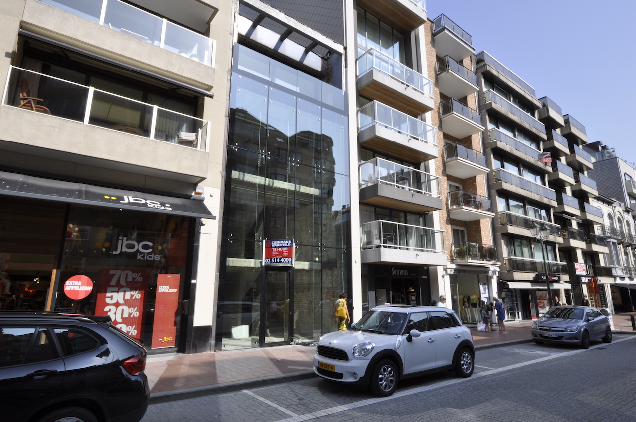 Location Local commercial Knokke-Heist - Immeuble de commerce / Avenue Lippens