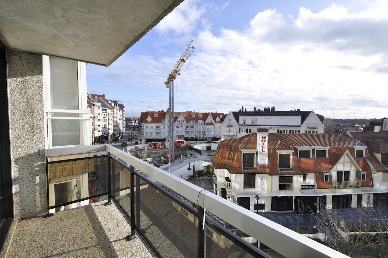 Ventes appartement t2 f2 knokke zoute kustlaan agence for Agence immobiliere knokke