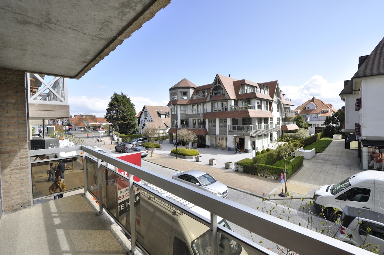 Locations appartement t2 f2 knokke zoute kustlaan agence for Agence immo prestige