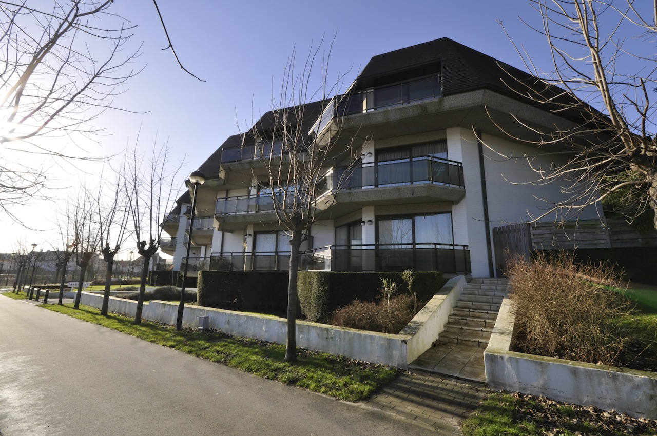 Ventes appartement t3 f3 knokke heist zegemeerpad agence for Agence immobiliere knokke